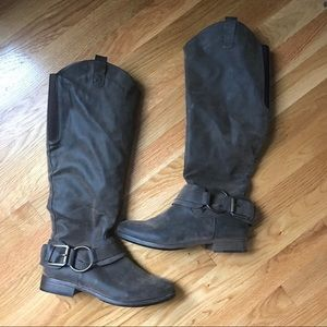 Size 8 brown boots, new condition!